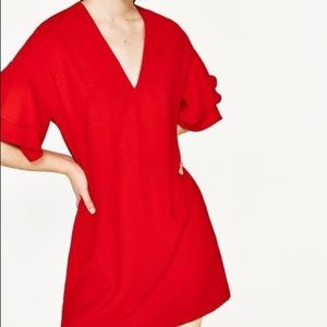 🔥Zara Red frilled sleeve pull over midi dress🔥